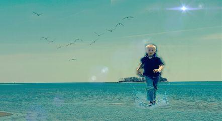 wapfloatonwater water sky