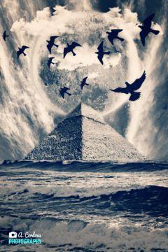pyramid bird sky surreal madewithwindows10