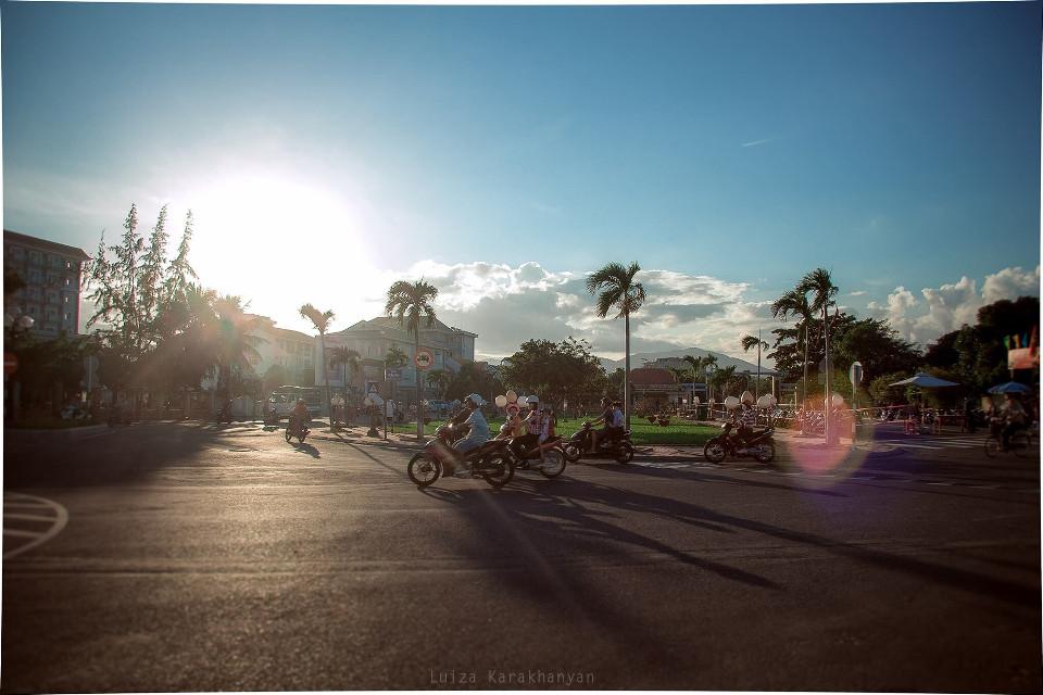 The bokeh is real *hair flip*   Tb to Vietnam, Nah Trang  #motorcycle #scooters  #vietnam #street #sunset #bokeh    #FreeToEdit